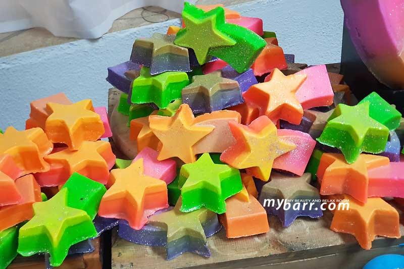Lush Natale 2018 idee regalo originali sapone shooting stars mybarr